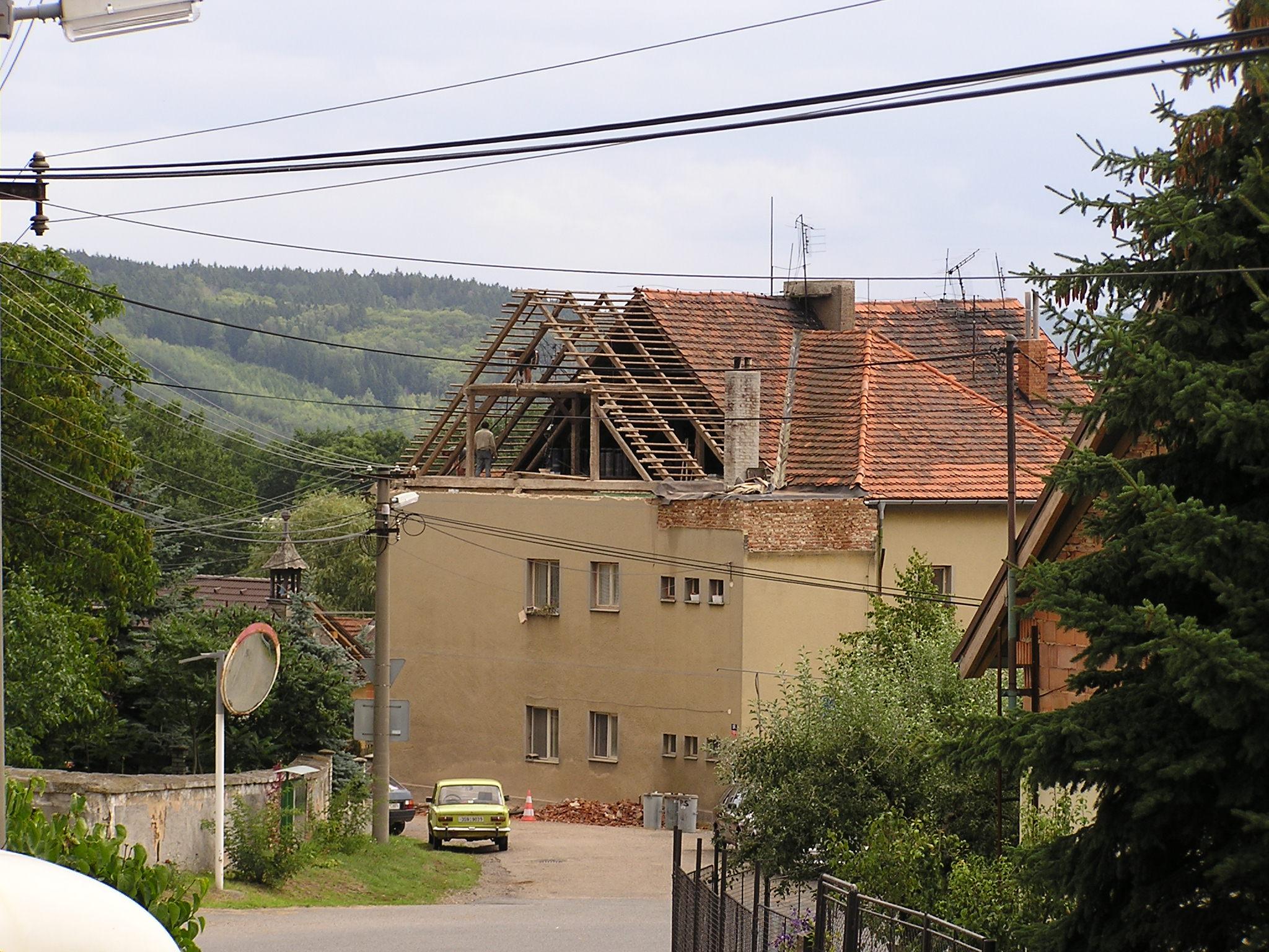 Střecha školy 001.jpg