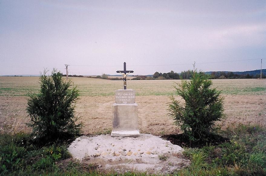 křížek podzim 2003 oprava.jpg